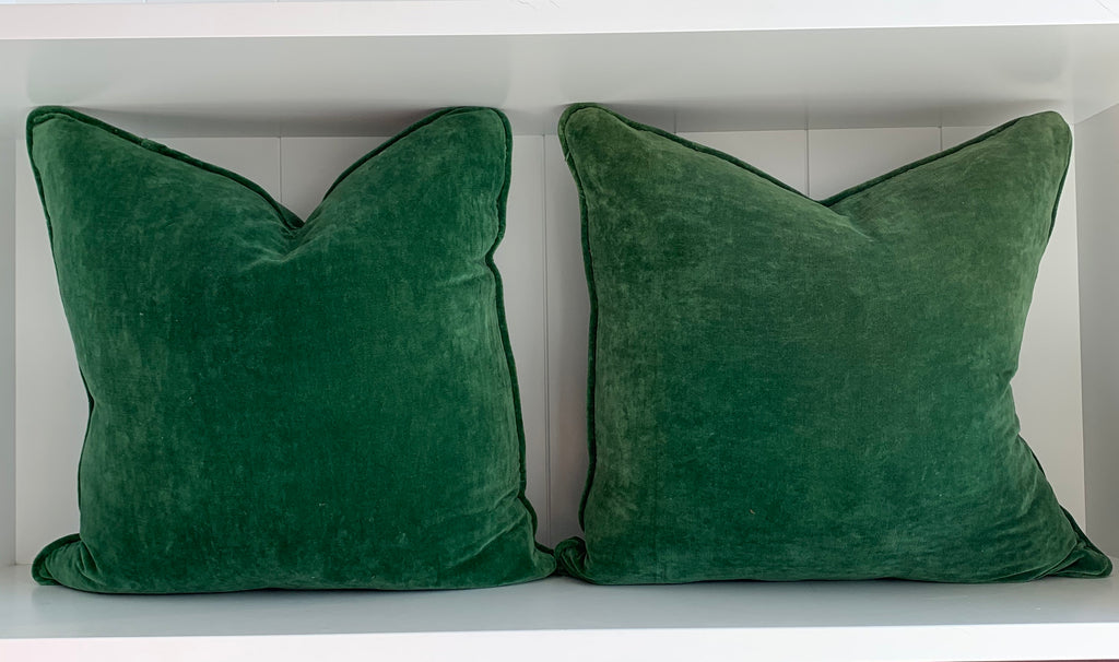 VELVET CUSHION | FOREST GREEN