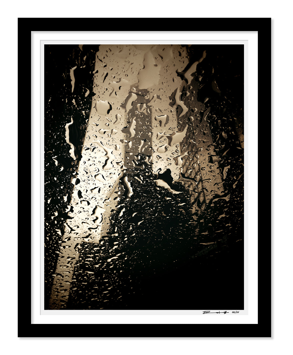 PRE-FRAMED MANHATTAN RAIN NYC 16x20