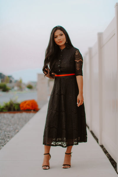 The Zuly Lace Midi Dress