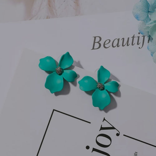 Stein Earrings Powder Blue
