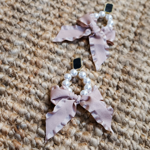 Caitlin Blush Earrings