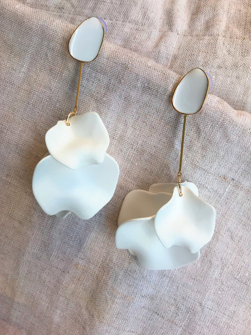 Amelia Earrings White