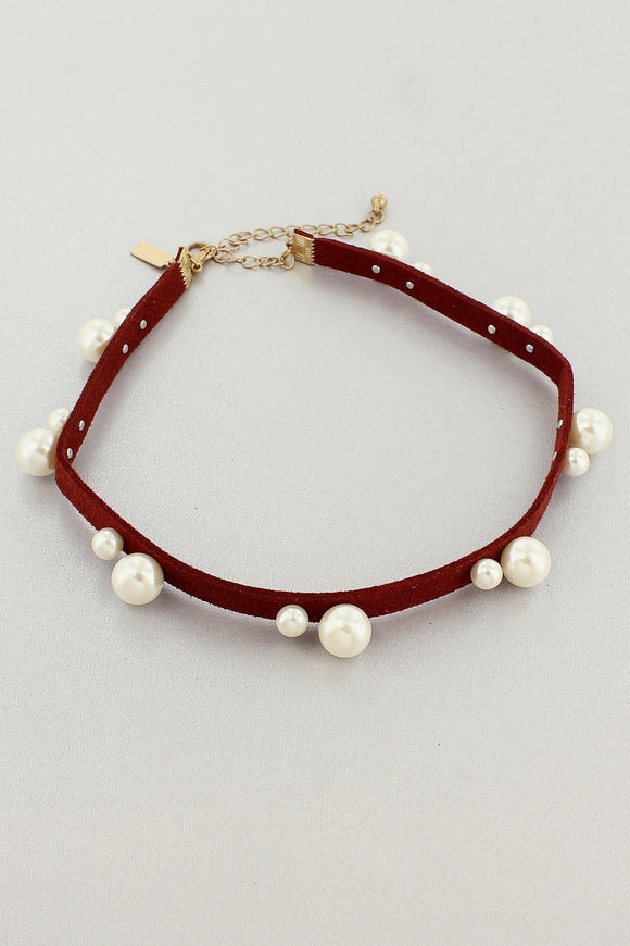 PEARL ACCENTED BURGUNDY FAUX SUEDE CHOKER