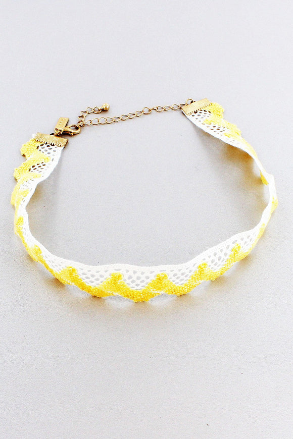 YELLOW AND IVORY CROCHET SCALLOPED CHOKER
