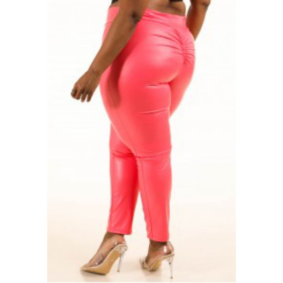 1X-3X Fabulous Coral pu ruched back leggings