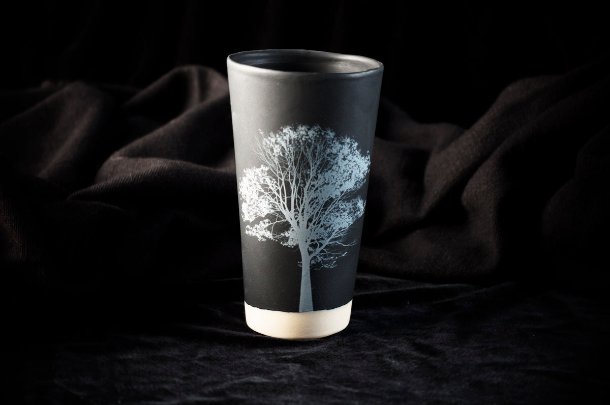 Leitzaran design tumbler. Black ceramics handmade in Barcelona.
