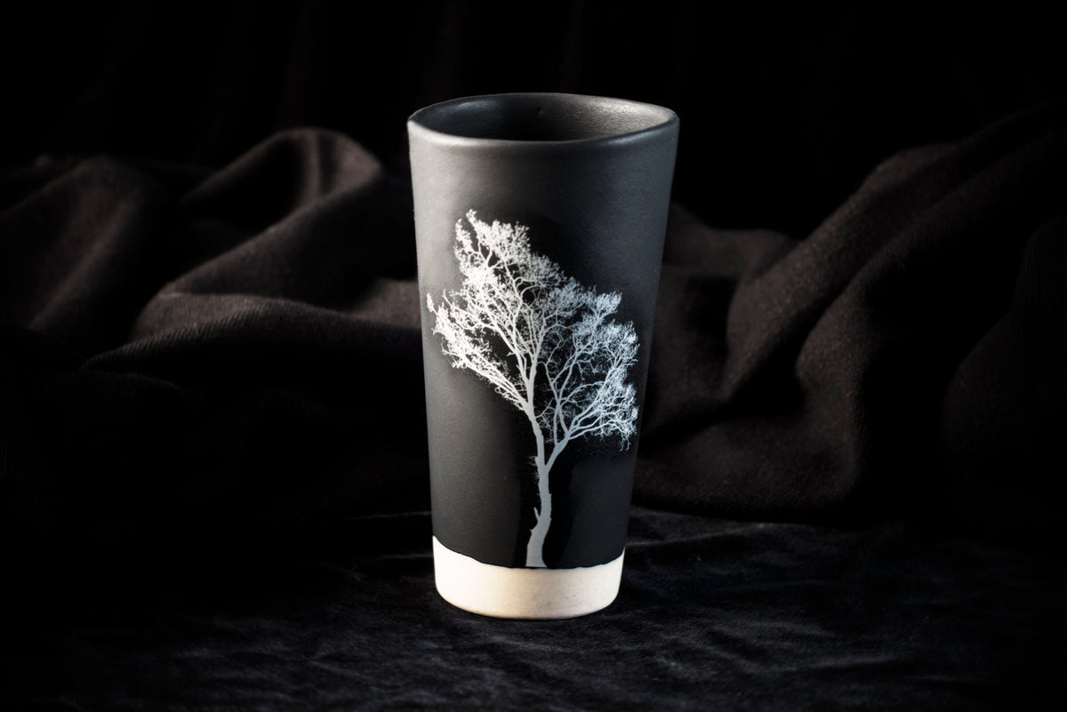 Pagoeta design tumbler. Black ceramics handmade in Barcelona.