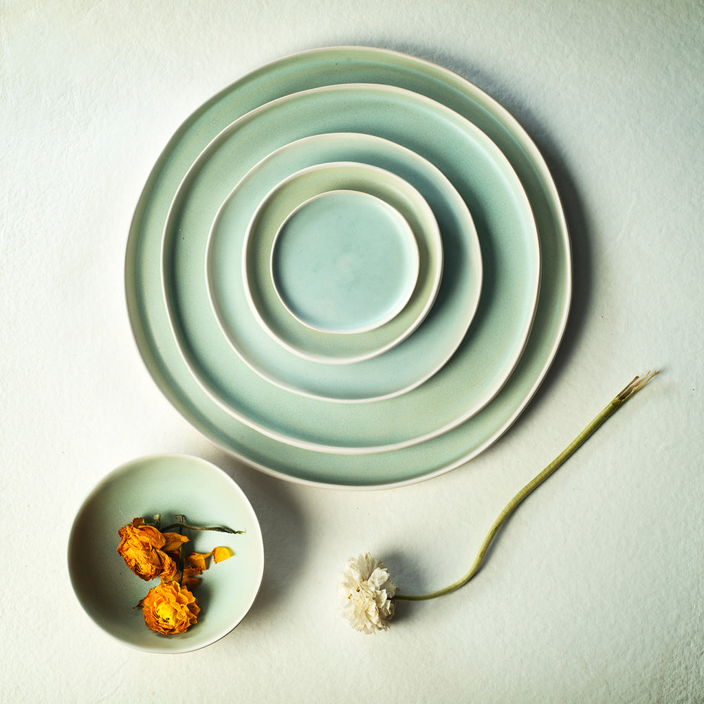 SET OF GREEN PLATES