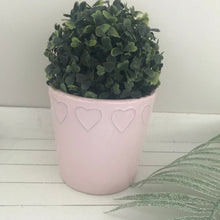 Plant pot with embossed heart (white or pink)