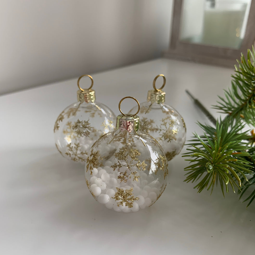Set of 6 Gold Winter Wonderland Place card Holders