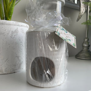 White ceramic oil burner gift set