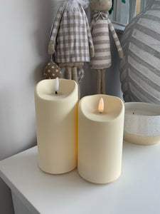 Flickering flame LED candle (2 Sizes)
