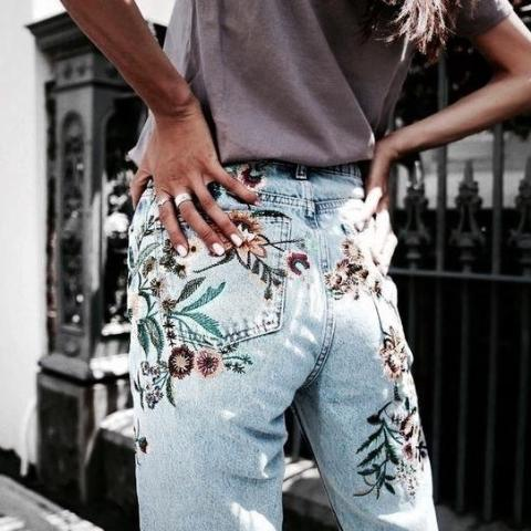 FLOWER EMBROIDERED DENIM JEANS