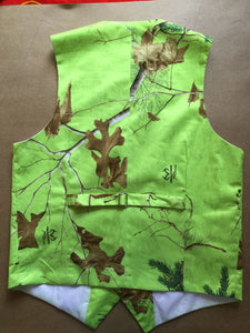 Green Realtree Camouflage Vest Back