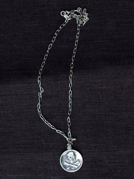 Black Sign 10th Anniversary Necklace Silver