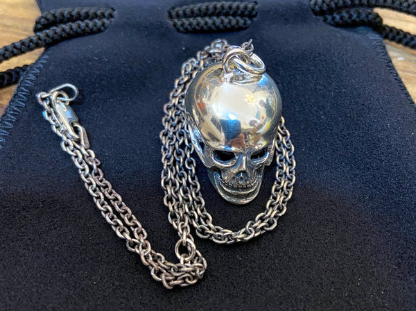 Black Sign Poison in the Brain Neckless Charm Silver
