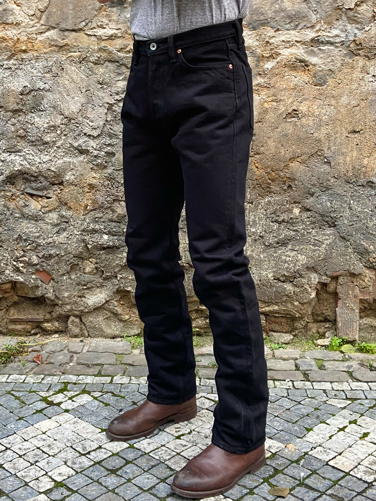 Iron Heart IH-888S-21mb 21oz Selvedge Denim Medium/High Rise Tapered Cut Jeans – Mad Black