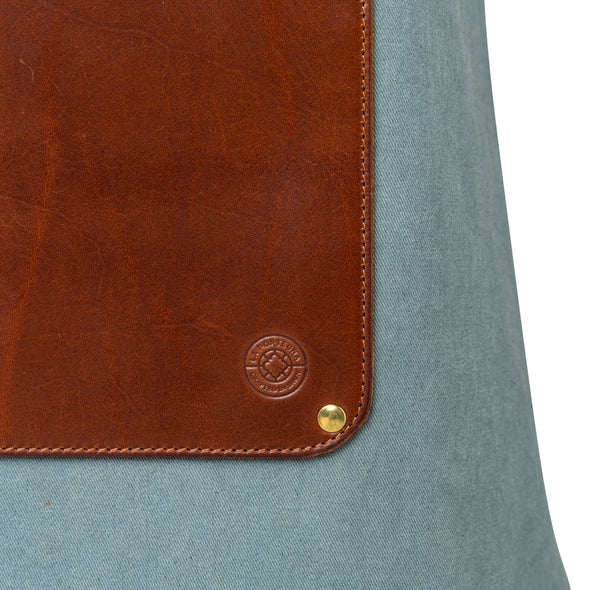 Apron Aqua | UK | La Portegna UK | Handmade Leather Goods | Vegetable Tanned Leather