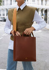 Beatriz Tan | Shoulder Bags UK | La Portegna UK | Handmade Leather Goods | Vegetable Tanned Leather