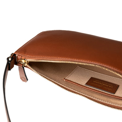 Berta Tan | Shoulder Bags UK | La Portegna UK | Handmade Leather Goods | Vegetable Tanned Leather