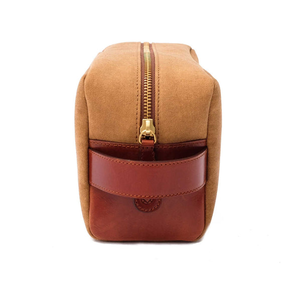Dopp Kit Gold Washcases | La Portegna UK | Handmade Leather Goods | Vegetable Tanned Leather