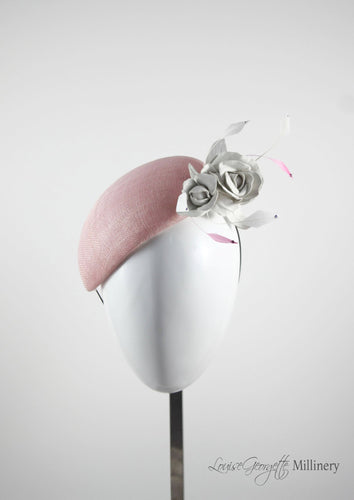 Pink sinamay Beret with white handmade leather flower. Front view. Handmade Millinery made in London.