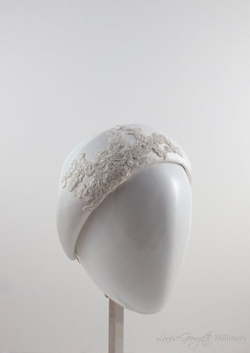 White Satin and Guipure Lace headnband. 3/4 view.