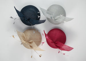 4 hat colour variations of hat with both and matching feathers.