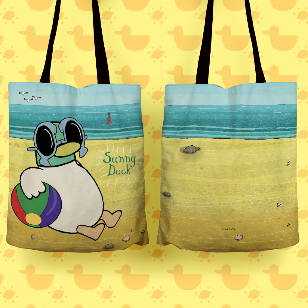 Sarah & Duck Sunny Duck Edge to Edge Tote (Lifestyle)
