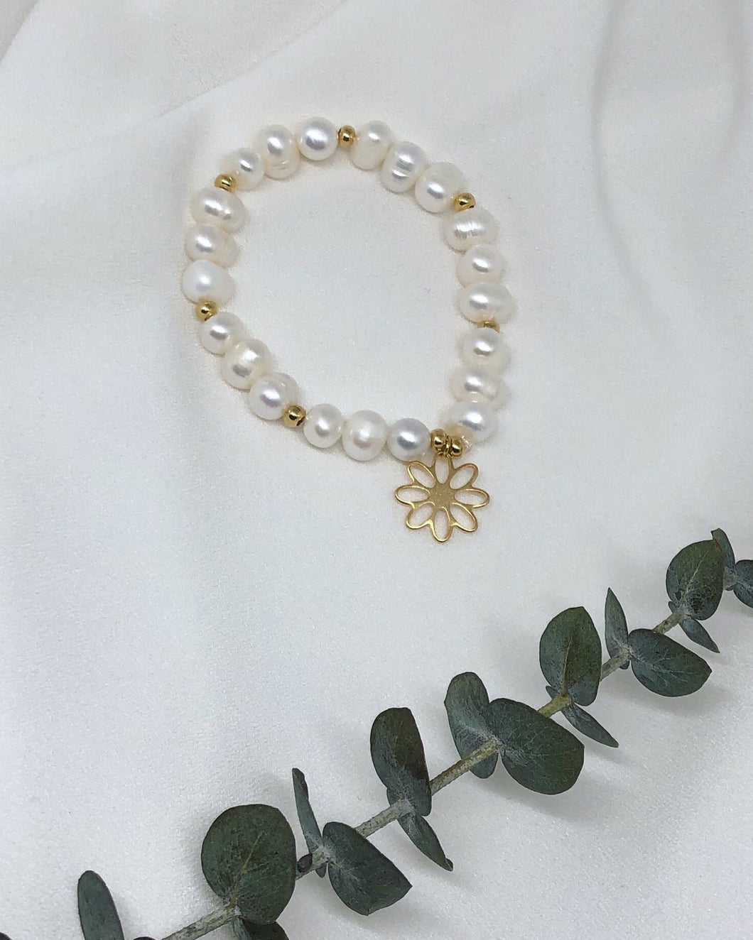 Gold Flower & Pearls