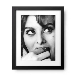 Sophia Loren by Keystone Features, Photos.com by Getty Images - PoppyLy