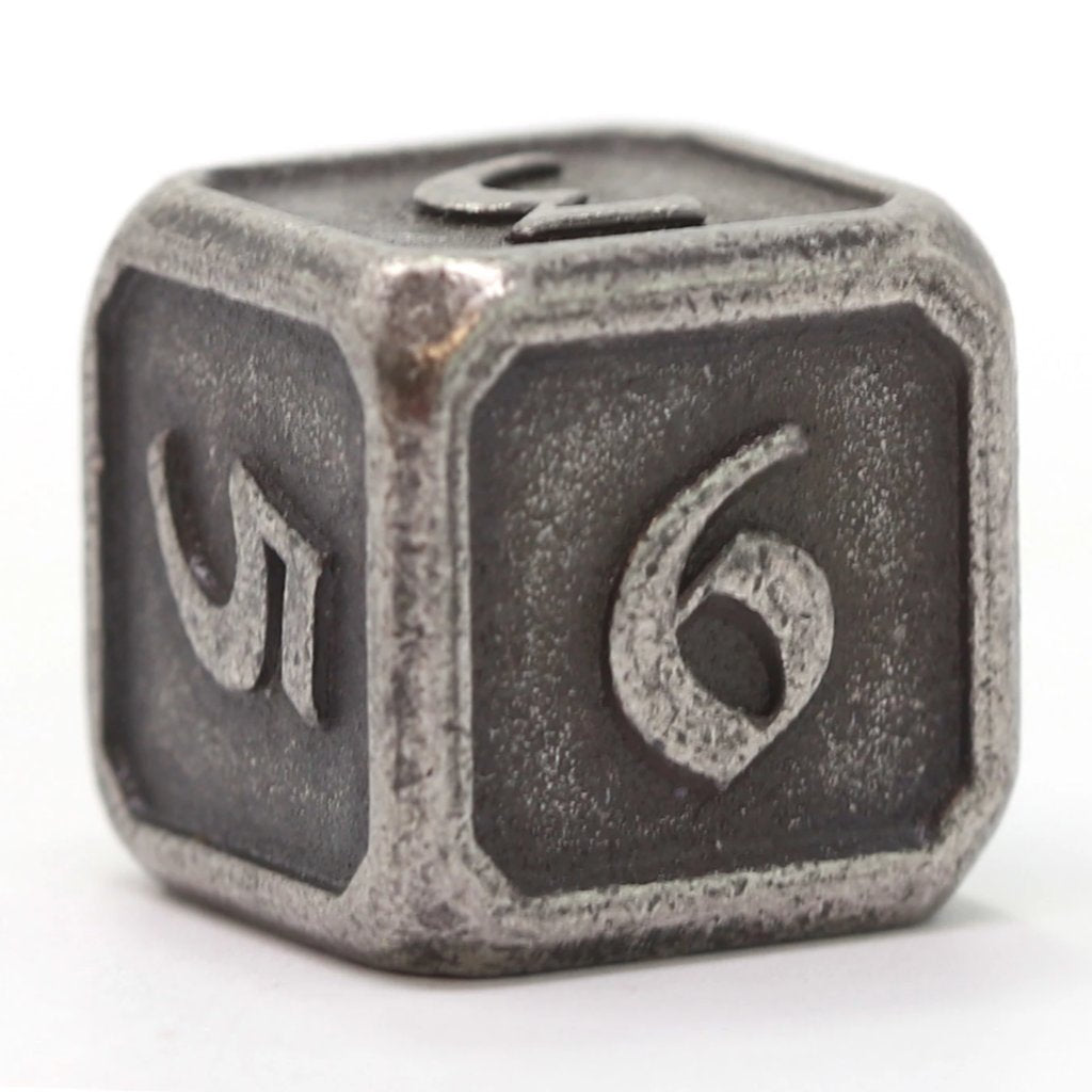Single d6 - Mythica Dark Silver