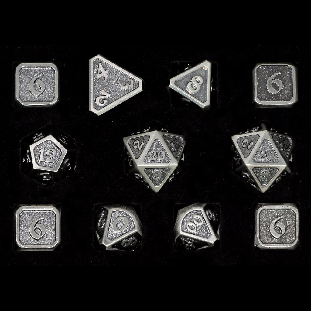 Mythica Battleworn Silver - 11 Piece Set