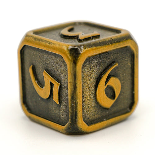 Single d6 - Mythica Battleworn Gold