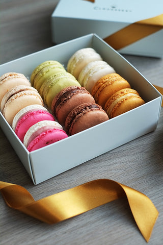 Gift box of classic macarons