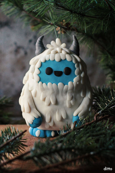 Glow in Dark Colossal Yeti Kit with Online Tutorial