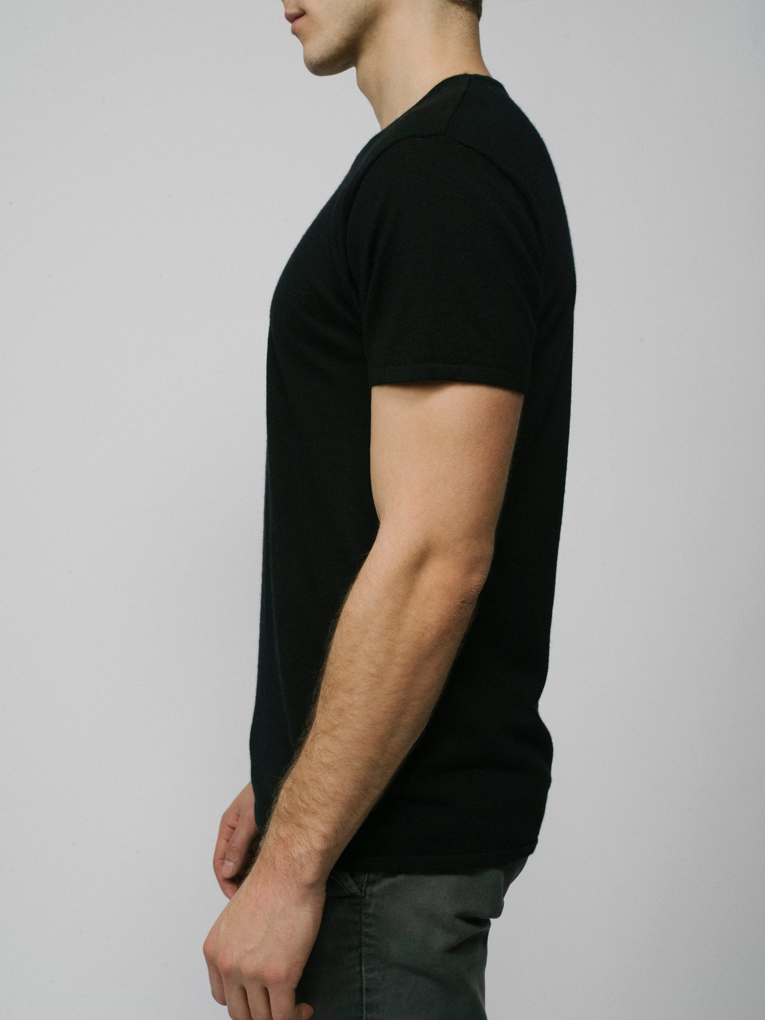100% Cashmere T-Shirt - Men's Black
