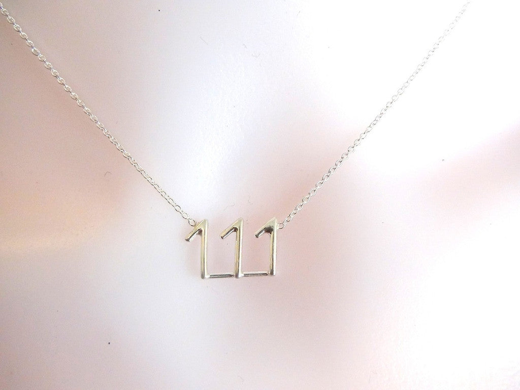 111 meeka necklace