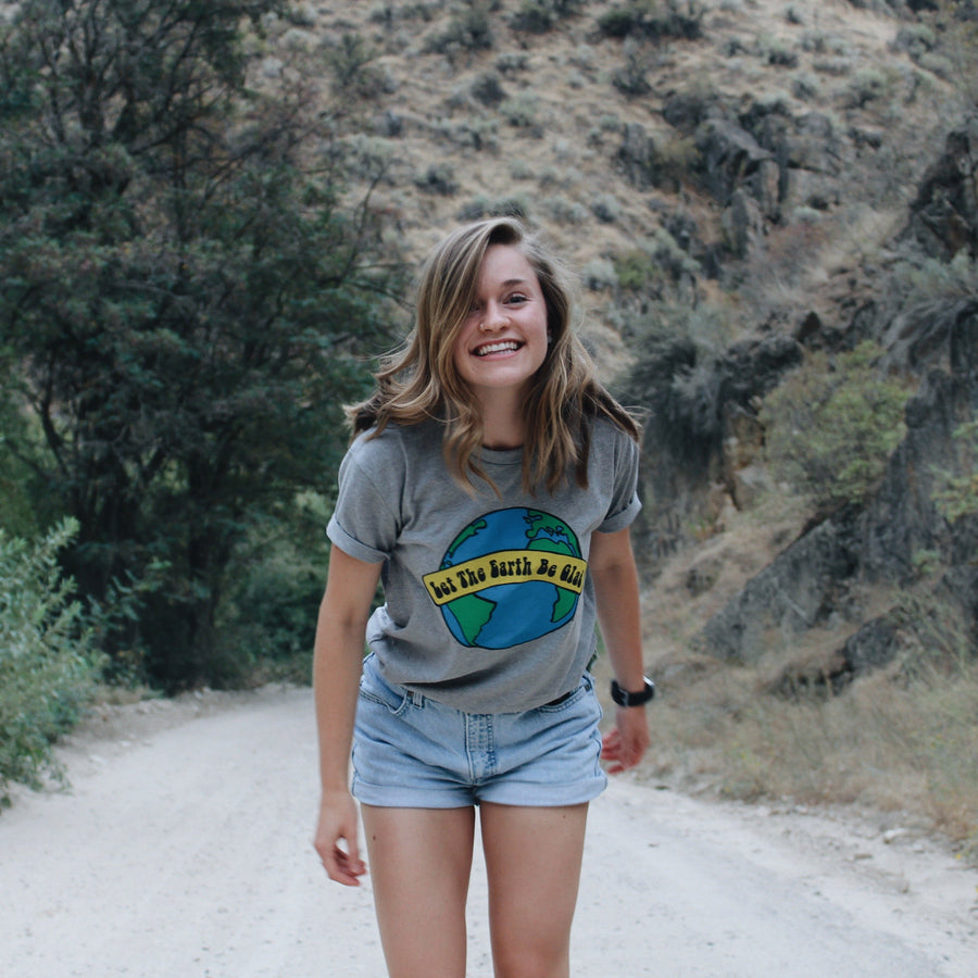 Happy Earth Tee // Dark Heather Grey