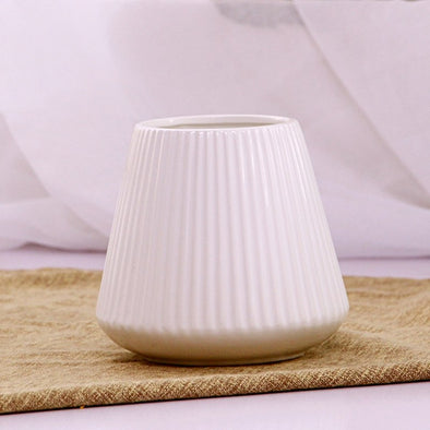 Pretty Ceramic Flower Inserted Ceramic White Tabletop Vase Home Decoration - BC&ACI