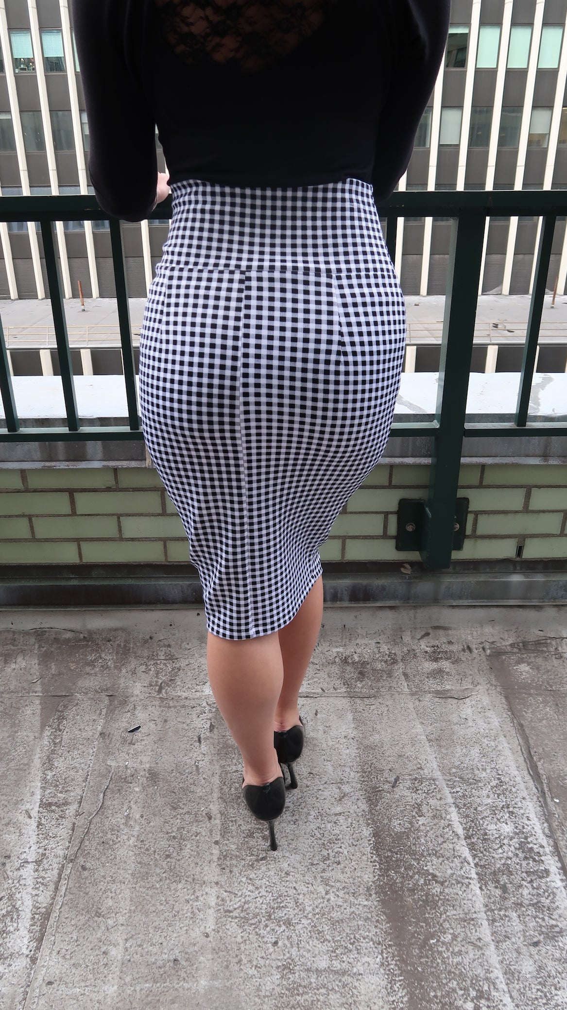 Gingham Print Midi Pencil Skirt