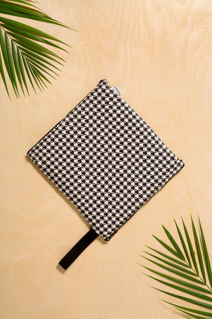 SHOOFIE shoe bag in Royal Houndstooth print