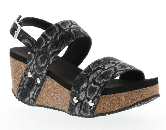 Volatile Summer Love Wedge