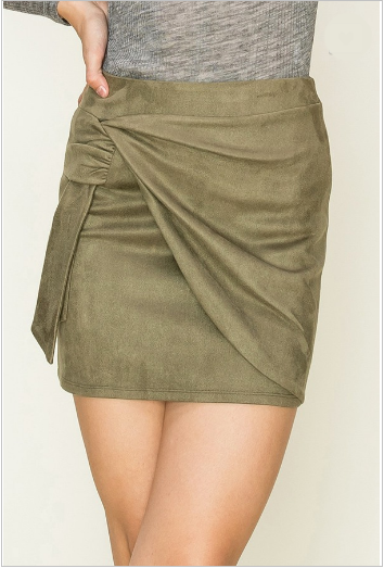 Falling For You Skirt- HF19H112