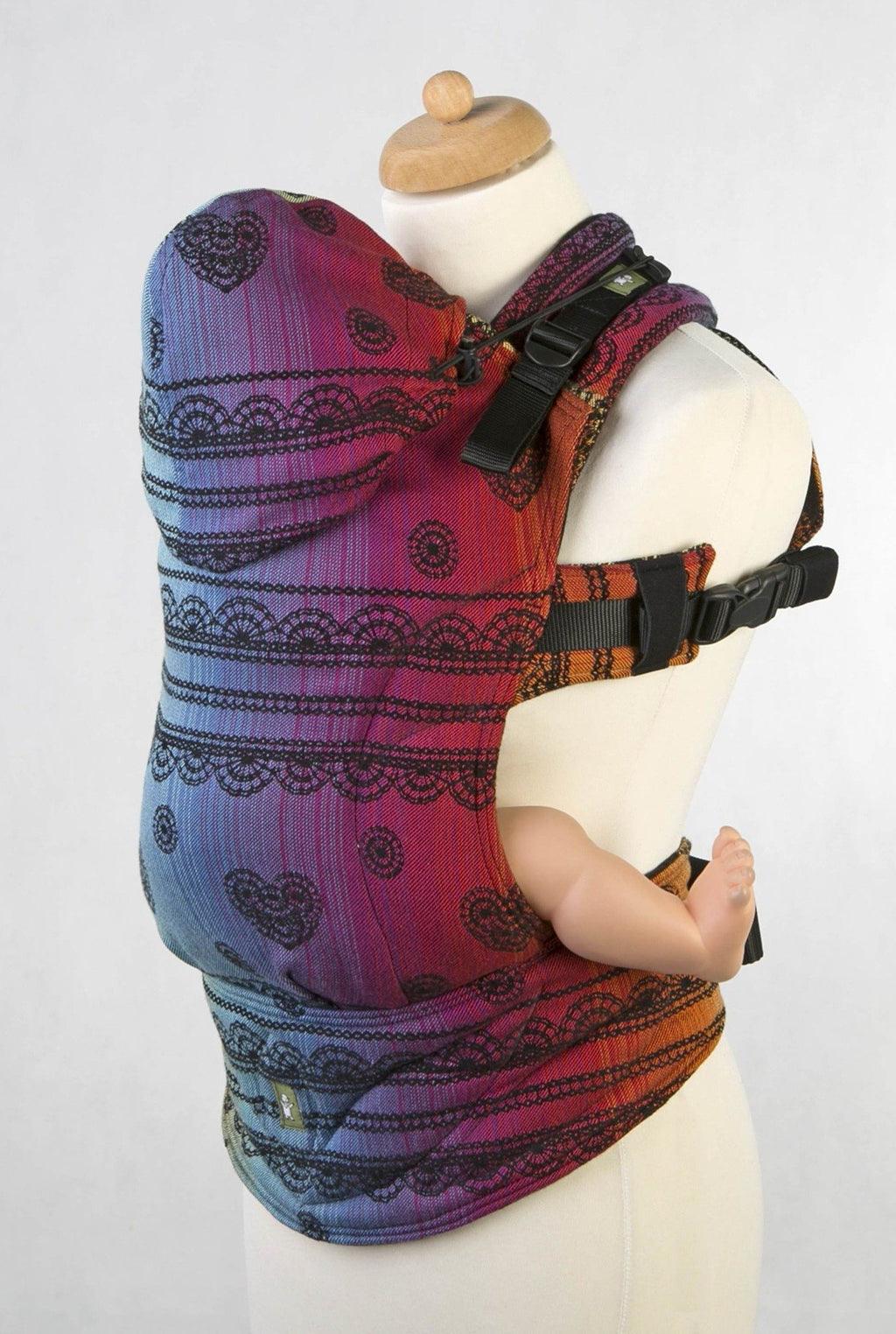 Lenny_lamb_rainbow_lace_dark_baby_carrier_canada.jpg