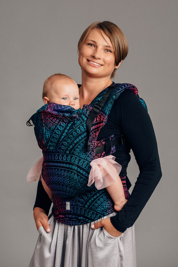 lennylamb peacock's tail black opal baby carrier