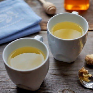 Enjoy your tea and give it a kick with all natural raw honey infused with Organic Ginseng!