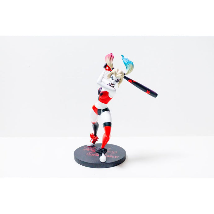 DC Universe Harley Quinn Show Statue