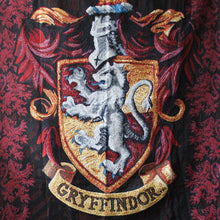 Additional image of Exclusive Gryffindor Crest Tapestry Throw
