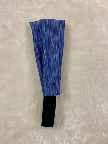 Blue patterned sport headband.
